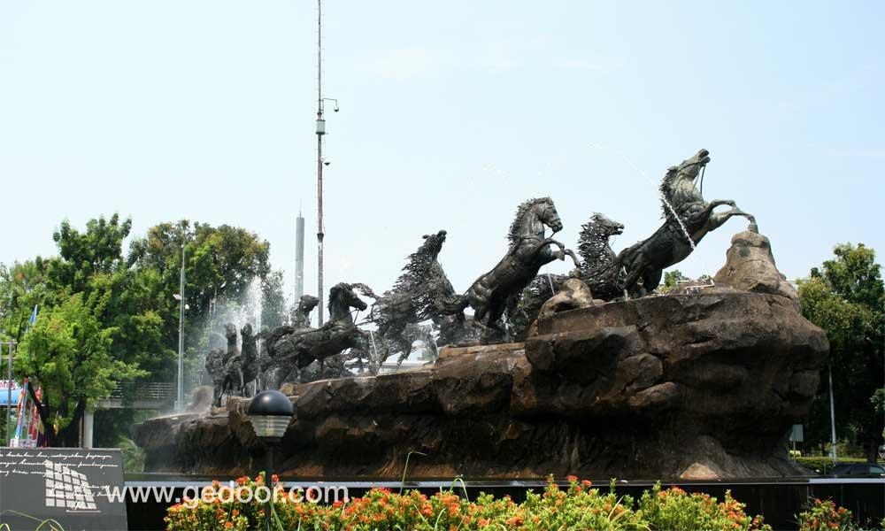 Patung Arjuna Wijaya / Asta Brata