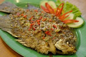 Warjok Asli Menikmati Kuliner Nusantara Sambil Mojok
